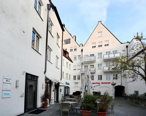 Dreifaltigkeitsplatz 11,11a, Landshut (2)
