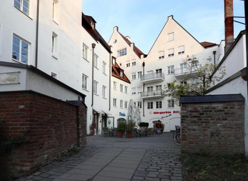 Dreifaltigkeitsplatz 11,11a, Landshut (6)