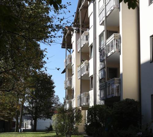 Karl-Stadler-Weg 39,41