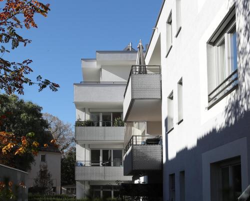 Nikolastraße 18 a,b (6)