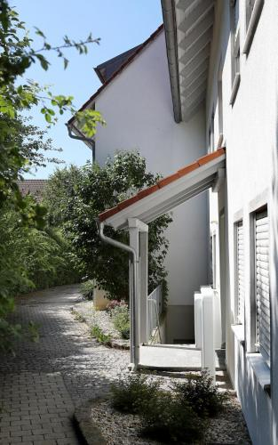Pfarrer-Zielbauer-Weg